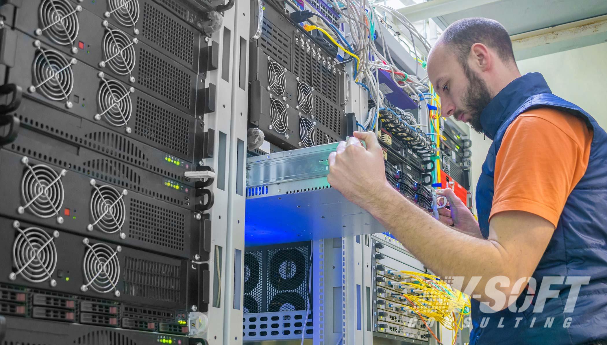 man-works-in-a-server-room_2100-X-1196-318kb