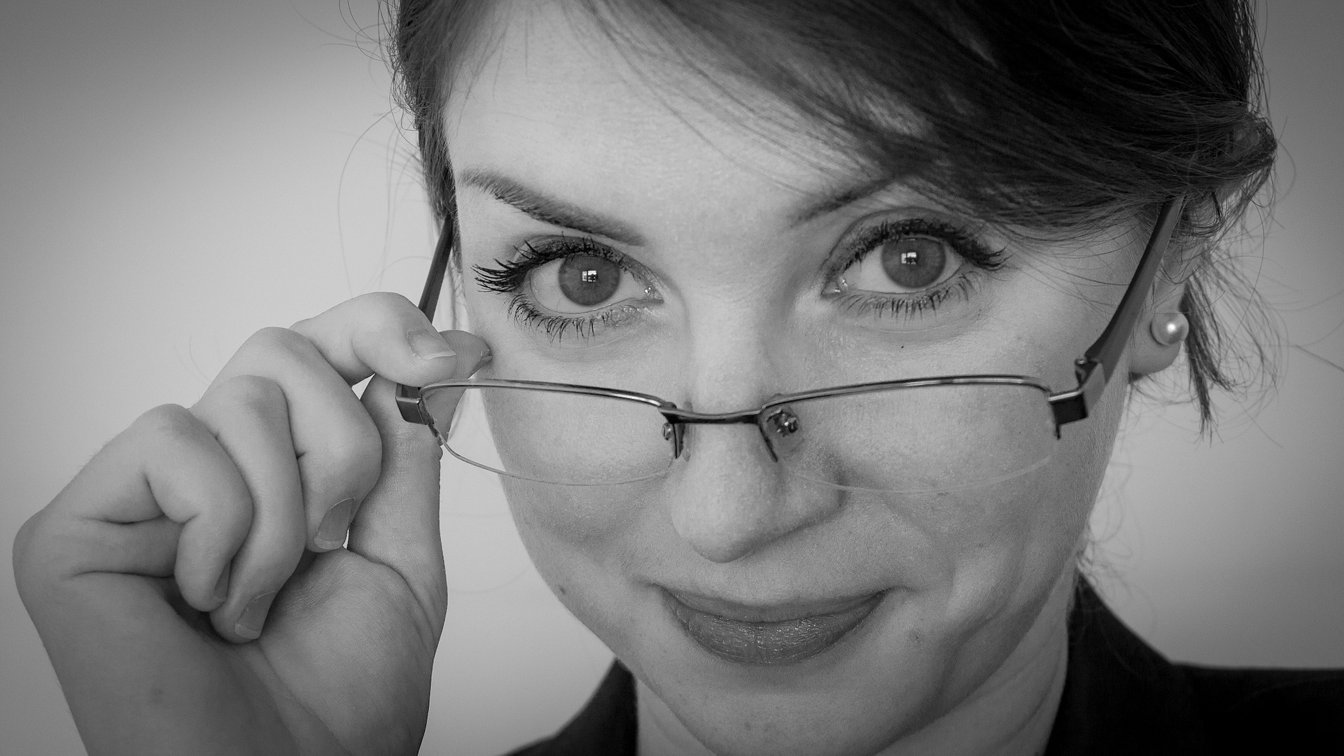 it jobs advice with woman and her glasses